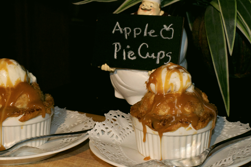 Caramel Pecan Apple Pie Cups