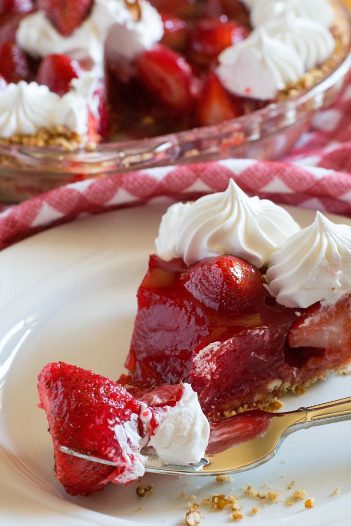 Pretzel Crust Strawberry Pie