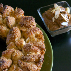 Sweet Crunchy Almond Monkey Bread