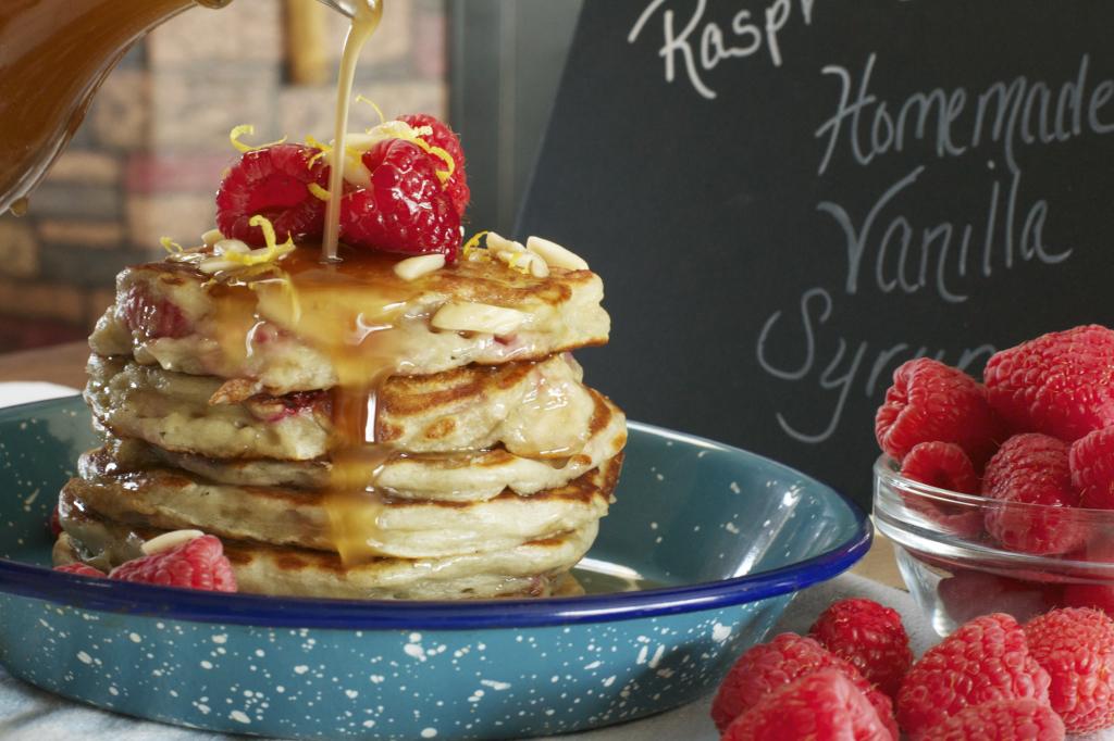 Raspberry Greek Yogurt Pancakes