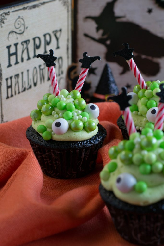Cauldron Cupcakes 1