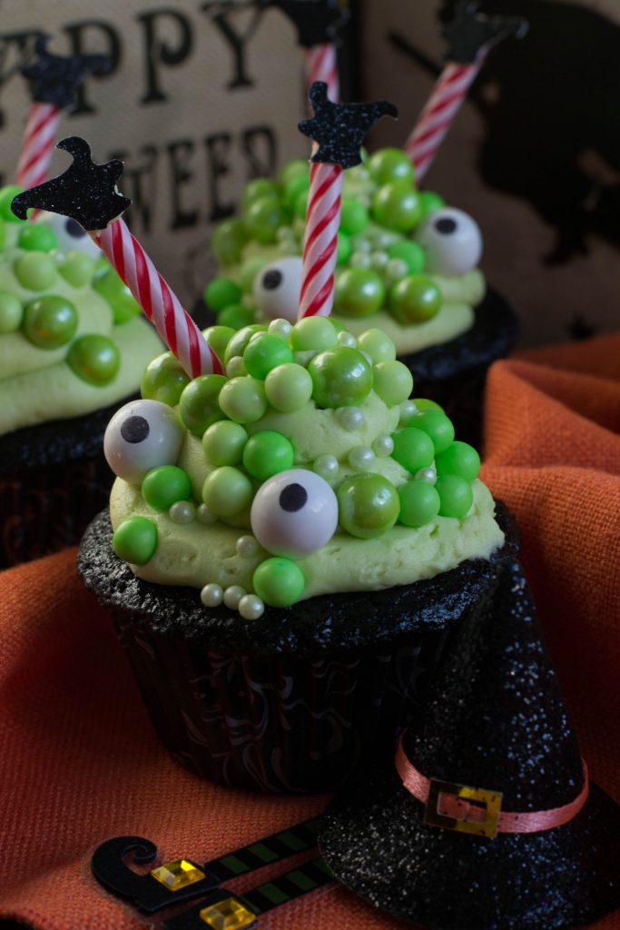 Cauldron Cupcakes 3