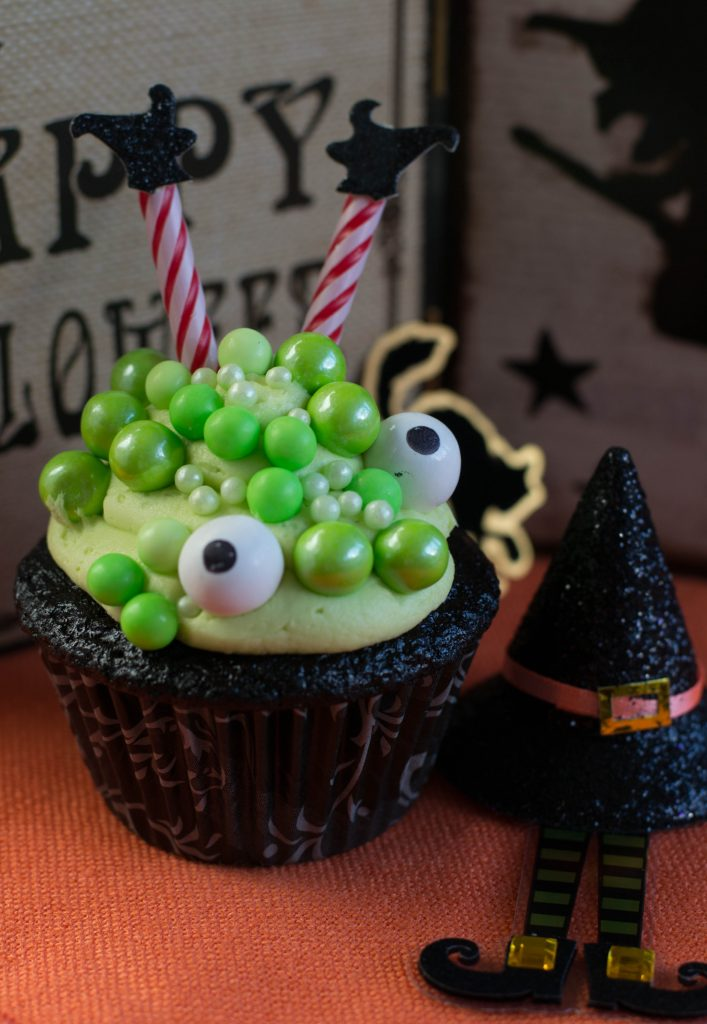 Cauldron Cupcakes 5