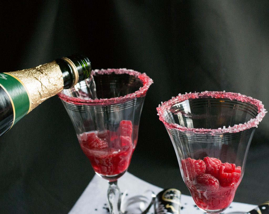 Sparkling Raspberry Kiss Mocktail