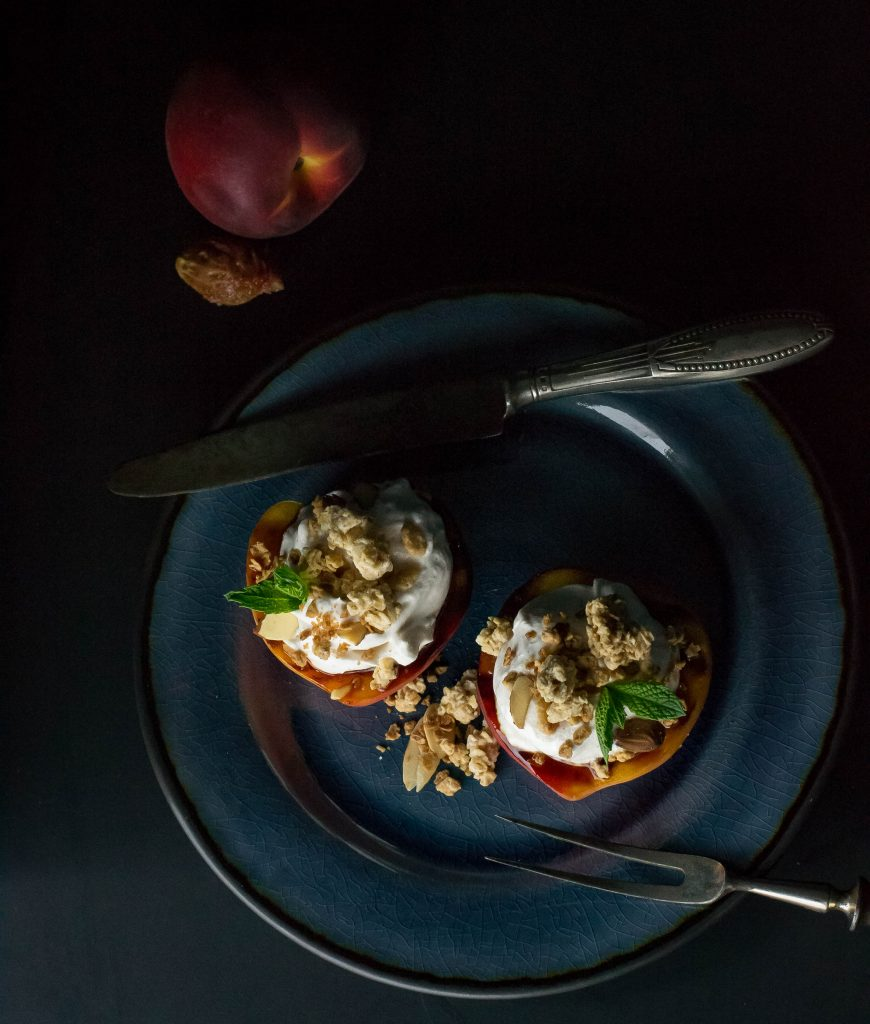 Grilled Peaches with Vanilla Yogurt Cream