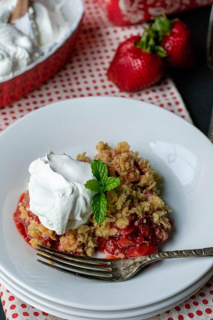 Strawberry Crumble Crisp