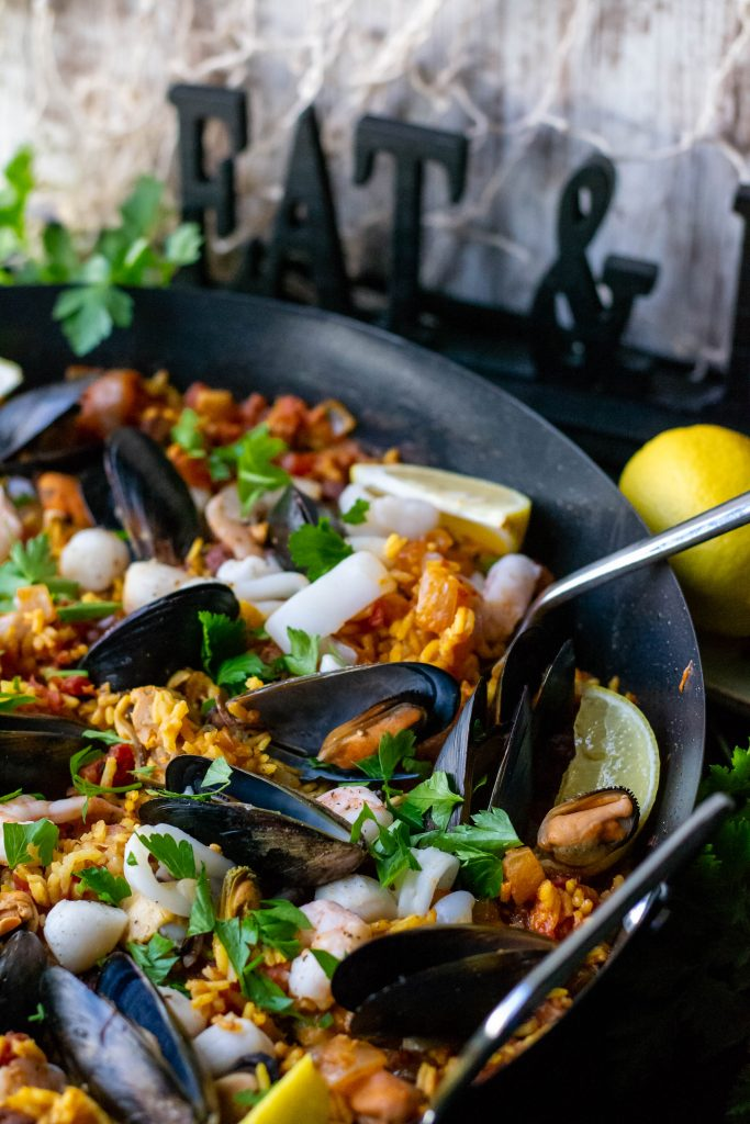 Easy Mixed Seafood Paella-